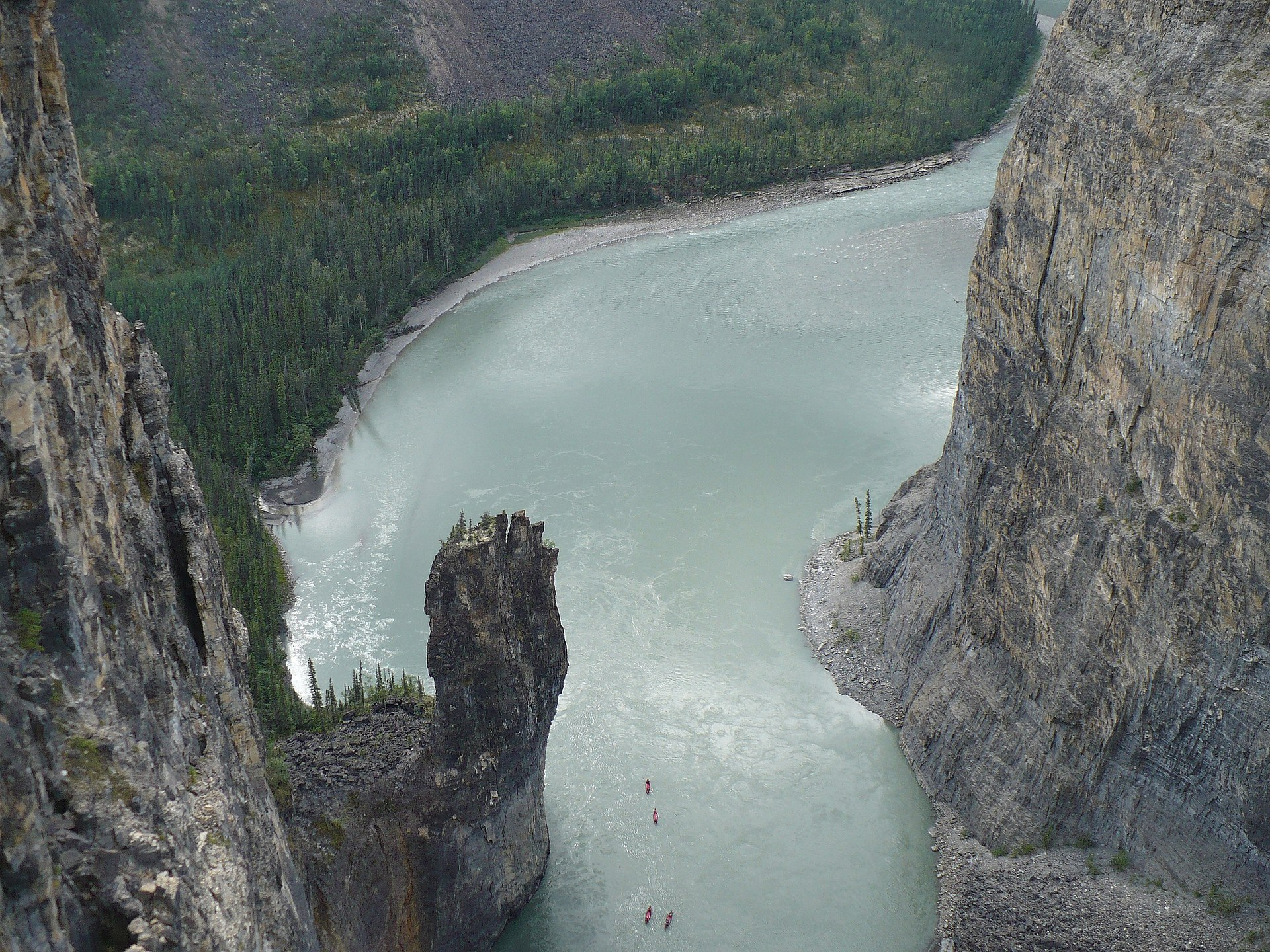 nahanni rijeka