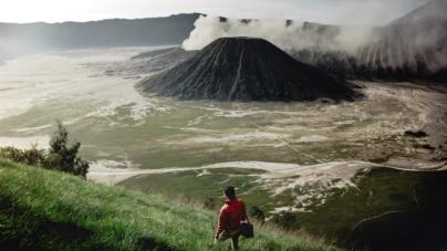 Indonezija: Vulkan Anak Krakatau uzrokovao veliki plimni val – tsunami