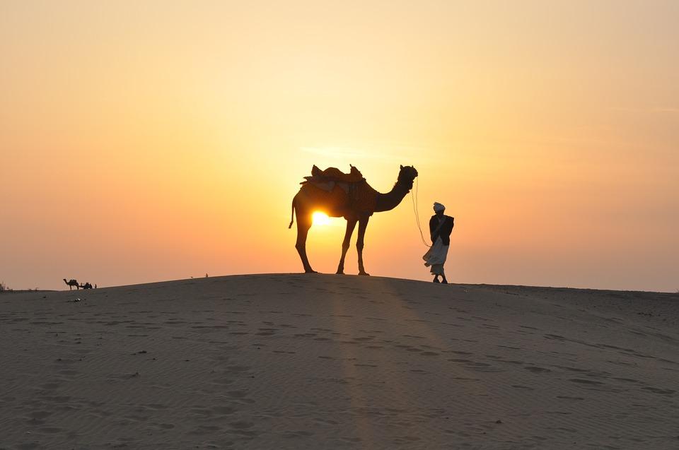 deva u pustinji